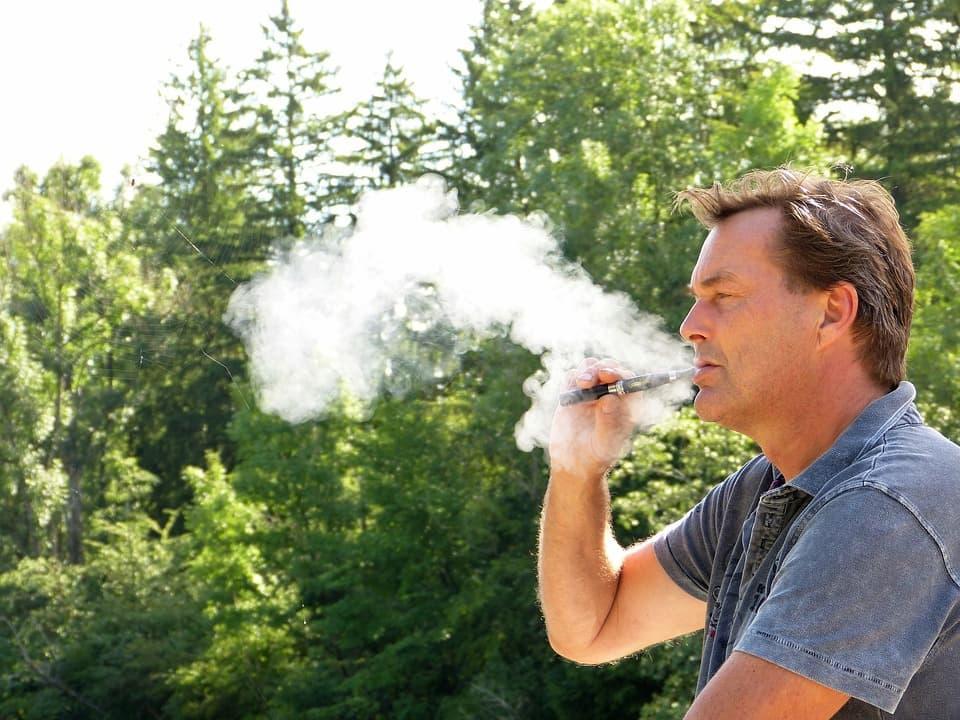 Cigarettes Electroniques: Une Alternative pour Arrêter de Fumer?