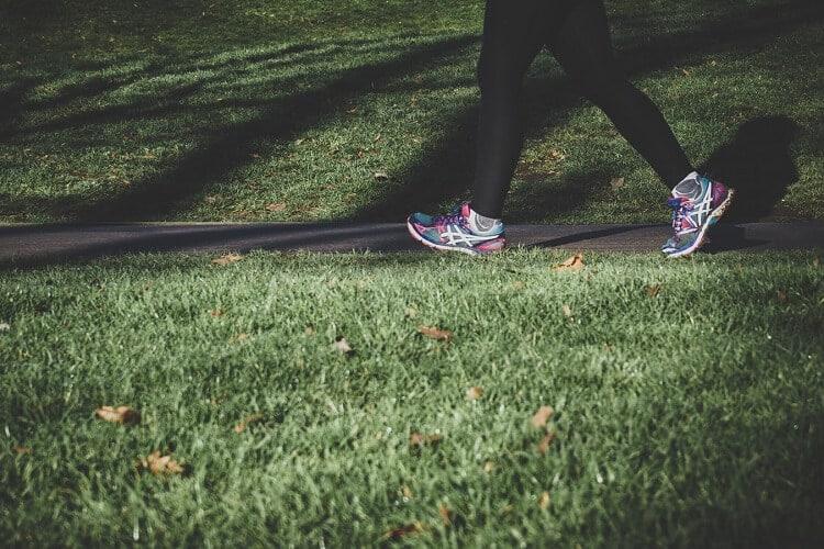 La marche à pieds fait-elle maigrir ?